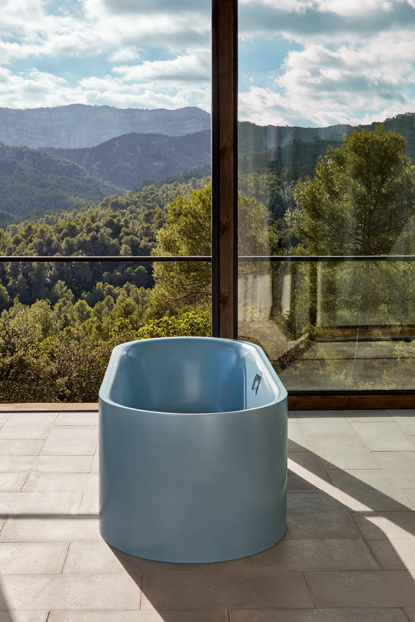 BetteLux Freestanding Bath Blue Satin